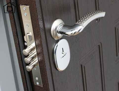 как поменять замок на металлической входной двери