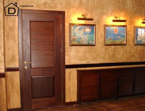 чем покрасить деревянную дверь